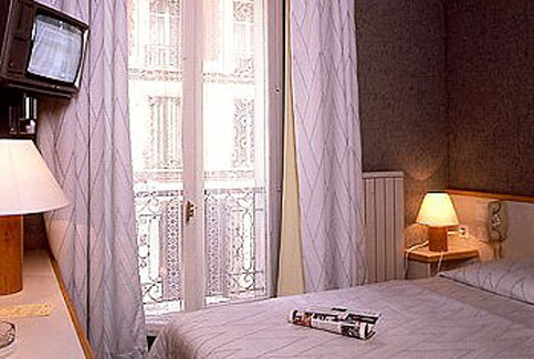 paris hotels champs elysees